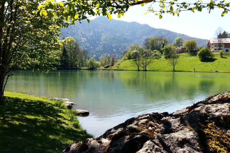 Schöner Seen in direkter Umgebung des landhaus Hochgern im Chiemgau